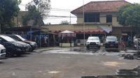 Mapolsek Ciracas, Jakarta Timur diserang orang tak dikenal. (Liputan6/Nanda Perdana)