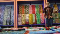 Ibnu mulai merintis usaha tahun 2006 ketika usianya 17 tahun dengan menjadi suplier kain mori yakni bahan baku batik berupa kain putih.