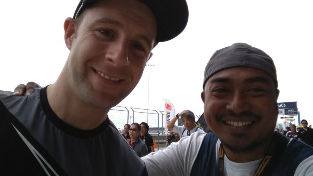 Jurnalis Bola.com berkesempatan bertemu dengan juara dunia Superbike, Jonathan Rea, di Sirkuit Buriram, Thailand. (Bola.com/Muhammad Wirawan Kusuma)