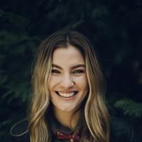 cari pembersih wajah yang sesuai dengan tipe kulit. (unsplash.com)