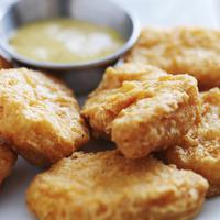 Resep nuggets ayam keju untuk makan siang nikmatmu. (Via: sheknows.com)