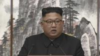 Kim Jong-un menyampaikan pernyataan pers bersama dengan Presiden Moon Jae-in di Pyongyang, Rabu pagi, 19 September 2018 (AP)