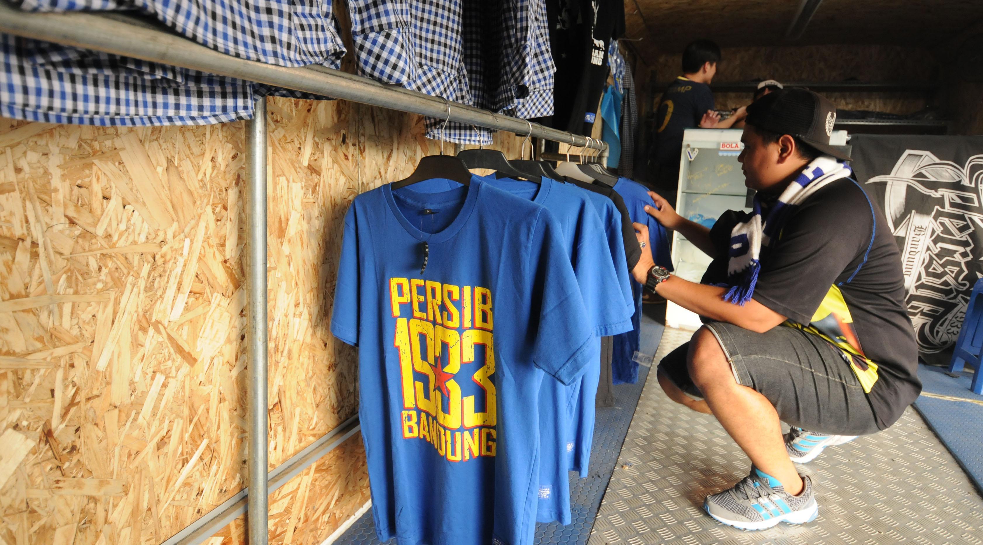 Bus kreatif suporter Persib Bandung di Stadion Si Jalak Harupat, Soreang, Bandung (Liputan6.com/Helmi Fithriansyah)