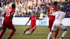 Inilah gol cantik mantan striker Juventus Sebastian Giovinco saat tim nya Toronto FC berhasil mengalahakan Orlando City dengan skor 5-0