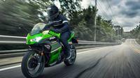 Kawasaki mulai lagi pengembangan teknologi hybrid untuk motor