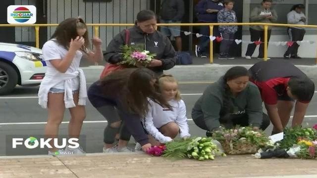 Karangan bunga dari kerabat korban penuhi lokasi teror penembakan brutal di Kota Christchurch, Selandia Baru.