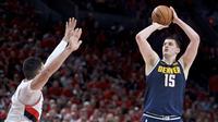 Nikola Jokic cetak triple double saat Nuggets melawan Blazers di semifinal wilayah barat NBA (AP)