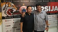 Chief Operating Officer Persija, Rafil Perdana, dan Direktur Utama Persija Jakarta, Gede Widiade mundur dari jabatannya. (Bola.com/Benediktus Gerendo Pradigdo)
