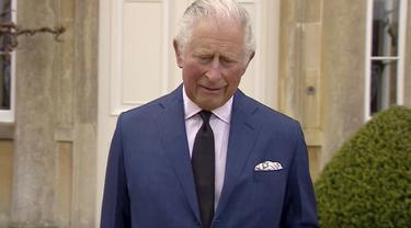 Pangeran Charles berbicara tentang meninggalnya sang ayah, Pangeran Philip. (UK Pool via AP)