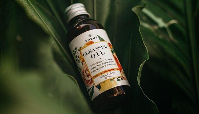 Embun Natural Cleansing Oil/copyright sociolla.com