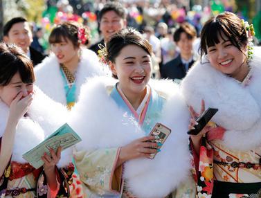 Keseruan Gadis-Gadis Jepang Rayakan Hari Kedewasaan dengan Berkimono