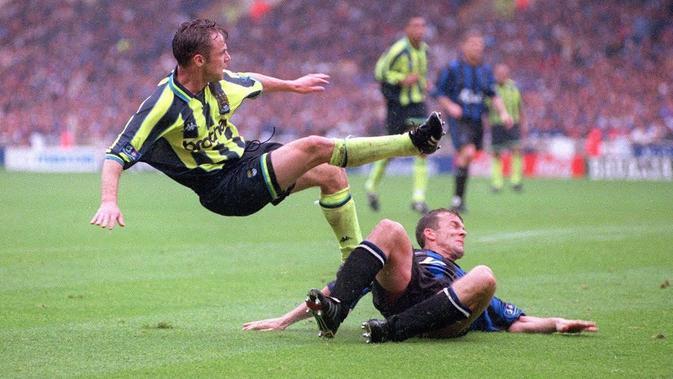 Momen yang paling dikenang Paul Dickov ketika masih menjadi pemain Manchester City. (dok. Manchester City)