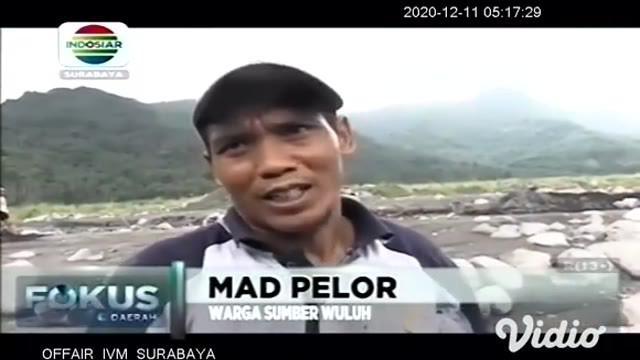Hampir sepekan jalan menuju Dusun Kajang Kosong di Kecamatan Candipuro, Lumajang, Jawa Timur, lumpuh akibat dipenuhi material batu berbagai ukuran dari bekas banjir lahar dingin Gunung Semeru.