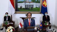 Presiden Jokowi mengikuti KTT ASEAN Plus Three (APT) Khusus COVID-19 didampingi oleh Menlu Retno dan Menkes Terawan pada Selasa 14 April 2020. (Dok: Kemlu RI)