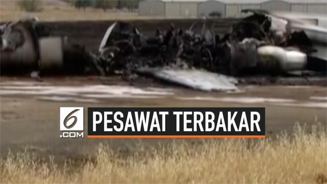 Sebuah pesawat jet ukuran kecil terbakar di bandar udara California Amerika. Seluruh penumpang dan 2 pilot berhasil selamatkan diri.