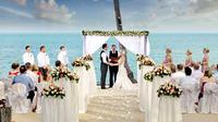 Kamu yang mau mengadakan pernikahan, simak tips mengadakan pesta kawinan sederhana tapi kelihatan mewah.