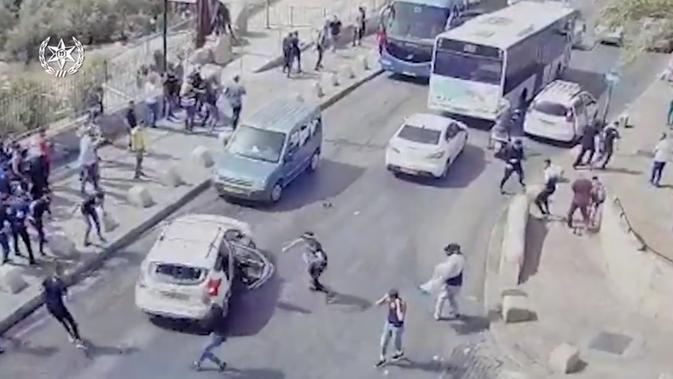 Kecelakaan fatal di Yerusalem yang melibatkan warga Israel dan Palestina. Dok: kepolisian Israel via The Jerusalem Post.