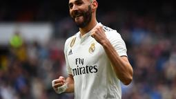 1. Karim Benzema - Bomber Real Madrid tersebut alami nasib sial bulan februari silam. pemain 31 tahun tersebut sangat menderita usai rumahnya dibobol maling saat Real Madrid dilumat Barcelona 3-0 pada leg kedua Copa Del Rey. (AFP/Gabriel Bouys)