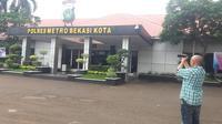 Polres Metro Bekasi Kota. (Liputan6.com/Bam Sinulungga)