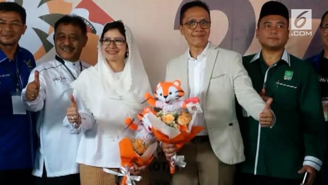 Politisi Partai Golkar, Nurul Arifin, resmi mendaftar jadi Wali Kota Bandung, ia berpasangan dengan Chairul Yaqin Hidayat dari Partai Demokrat.