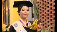 Usia 19 tahun biasanya mahasiswa baru menginjakkan kakinya di kampus. Namun, Maria Clara Yubilea atau biasa disapa Lala, justru sudah menyabet gelar sarjananya dengan predikat Cumlaude dengan IPK 3,76. (Liputan6.com/ Istimewa)