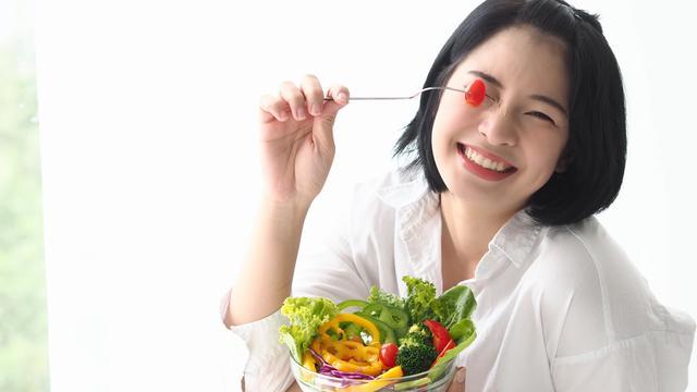 buah dan sayur dimakan mentah