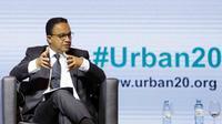 Gubernur DKI Jakarta Anies Baswedan saat menjadi pembicara dalam Urban 20 (U20) Global Summit di Buenos Aires, Argentina. Acara ini dihadiri para pemimpin 25 kota utama dari negara-negara anggota G20. (Liputan6.com/Pool/Pemprov DKI Jakarta)