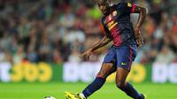 Dengan pemain macam Xavi dan Iniesta membuatnya otomatis gagal bersaing di Barcelona. Hal tersebut membuat Barcelona segera meminjamkan Alex Song ke West Ham United. (AFP/Lluis Gene)