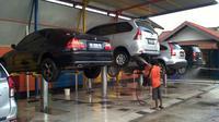 Mencuci kolong mobil terlalu sering ternyata bisa berdampak buruk pada sektor kaki-kaki.