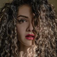 Ilustrasi rambut. Sumber foto: unsplash.com/Jaroslav Devia.