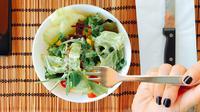 ilustrasi makan sayuran/Photo by Oleg Magni from Pexels
