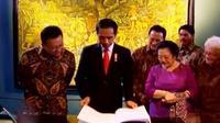 Presiden Jokowi pamerkan sejumlah lukisan langka koleksi Istana Kepresidenan.