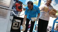 Kepala Badan Narkotika Nasional (BNN) Irjen Pol Heru Winarko memusnahkan barang bukti kasus narkotika di Gedung BNN, Jakarta, Jumat (7/9). BNN memusnahkan barang bukti narkotika dari 10 kasus berbeda. (Liputan6.com/Immanuel Antonius)