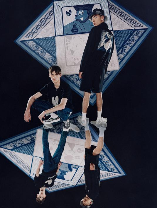 Ada banyak jenis permainan yang bisa dimainkan dari sederet kartu remi. Mulai dari poker, set, blackjack, dan masih banyak lagi. Namun Dior melihat keunikan dari kartu remi sebagai sebuah inspirasi untuk koleksi kapsul Dior Men 2021. (Dior)