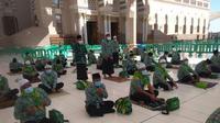Jemaah umrah penghargaan KSAD tiba di Arab Saudi sebelum penerbangan ditutup. (Istimewa)
