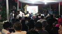 Acara nobar yang dibuka untuk umum ini memancing antusias elemen masyarakat yang mendukung Jokowi-Ma'ruf Amin. (Ist)