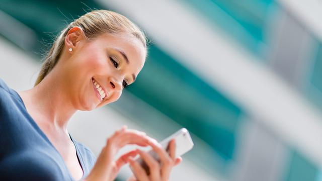 Akses internet lewat smartphone