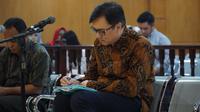 Terdakwa Billy Sindoro duduk di bangku persidangan dalam kasus suap perizinan proyek Meikarta. (Huyogo Simbolon)