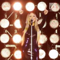 Diva internasional, Mariah Carey tampil pada acara Himbara Borobudur Shimpony 2018 di Candi Borobudur, Magelang, Selasa (6/11). Mariah Carey tampil all out dengan band pengiring dan backup dancer yang jumlahya tak sedikit. (Fimela.com/Bambang E.Ros)