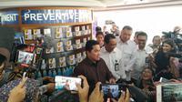 Menteri BUMN Erick Thohir memastikan apotek Kimia Farma tidak menaikan harga masker semena-mena imbas penyebaran virus Corona di Indonesia.