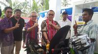 Pengisian pedana BBM satu harga di SPBU Mini Amalatu