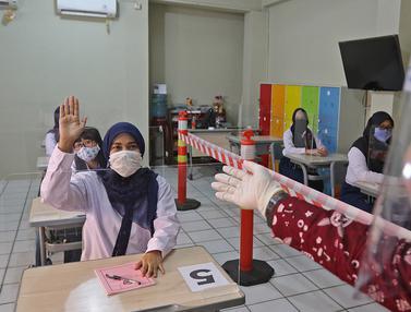 FOTO: Simulasi Sekolah Menuju Kenormalan Baru