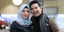 Indra Bekti dan Aldila Jelita (Daniel Kampua/Fimela.com)