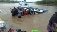 Kapal speedboat yang mengalami kecelakaan di perairan Nunukan Kaltara, Senin (7/6/2021), Foto istimewa