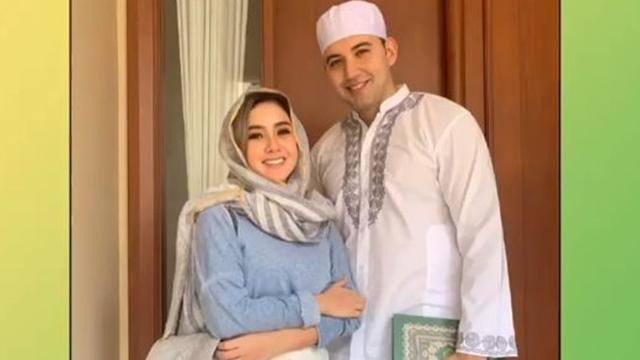 omen Kekasih Cita Citata Memeluk Islam, Ucap Kalimat Syahadat di Masjid