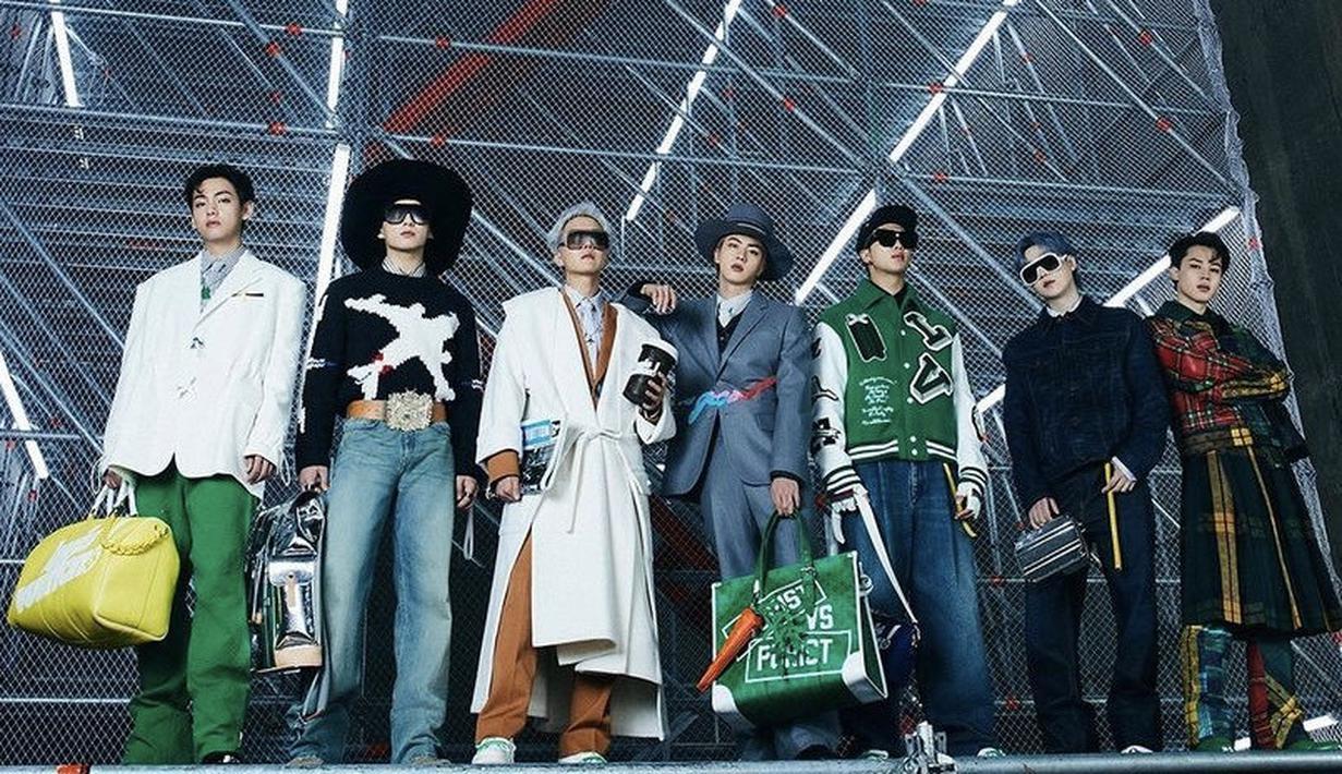 Diunggah secara langsung di akun YouTube Louis Vuitton, video tersebut memamerkan 34 koleksi terbarudan tujuh anggota BTS mengenakan desain Virgil Abloh.(Louis Vuitton)