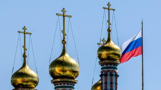 Suasana kota di Moscow, Rusia, Kamis (3/5/2018). Kota ini akan menjadi salah satu penyelenggara Piala Dunia 2018. (AFP/Yuri Kadobnov)