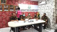 Kejati Sulbar saat merilis kasus tindak pidana korupsi pengerjaan ruas jalan Salutambung-Urekan Majene (Liputan6.com/Abdul Rajab Umar)