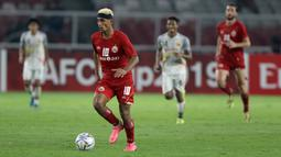 Penyerang Persija Jakarta, Bruno Matos, menggiring bola saat melawan Shan United pada laga Piala AFC 2019 di SUGBK, Jakarta, Rabu (15/5). Persija menang 6-1  atas Shan United. (Bola.com/M Iqbal Ichsan)