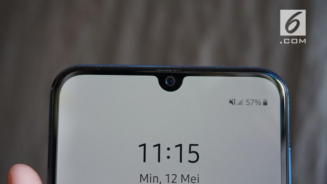 Kamera selfie Galaxy A50 dengan resolusi 25MP (Liputan6.com/ Agustin Setyo W)